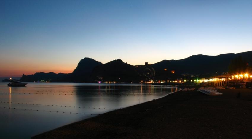 Судак, набережная, Черное море, ночная жизнь